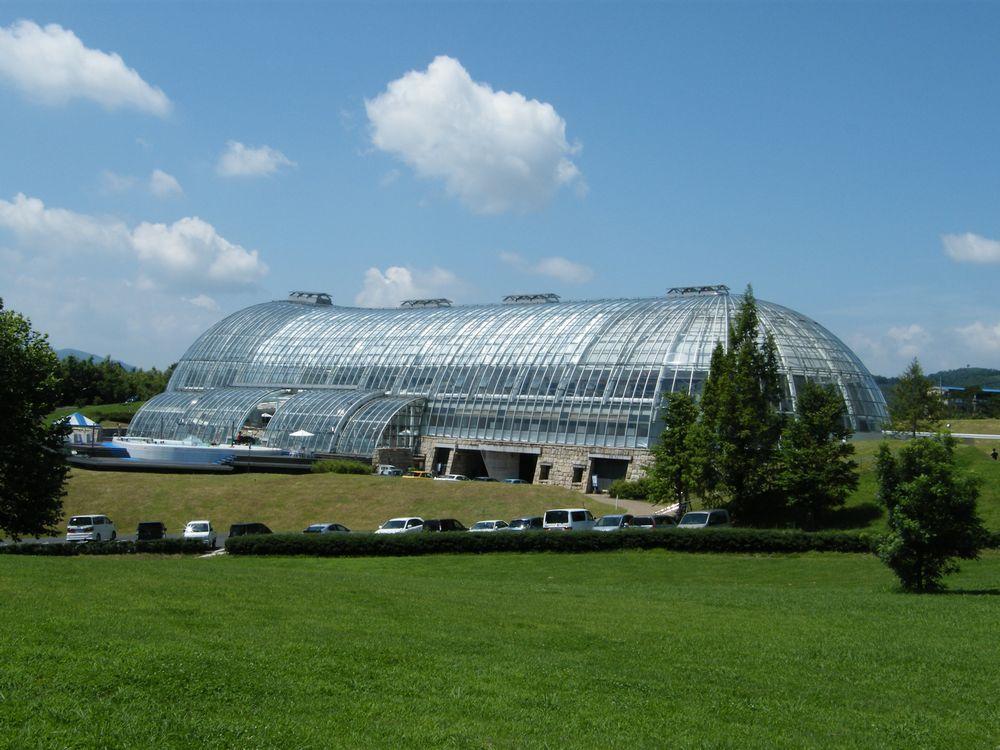 津山グラスハウス(株式会社スポーツフィールド)