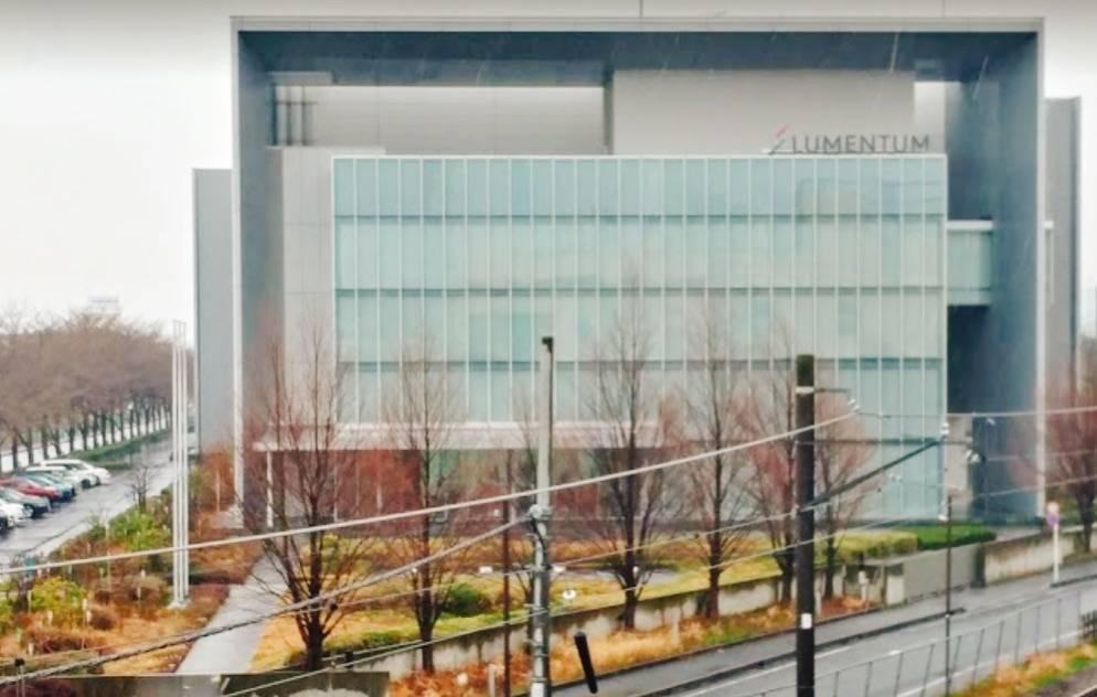 日本ルメンタム株式会社